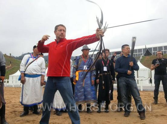 文化与传承:2014卡萨骑射培训