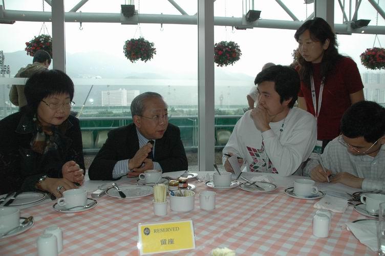 专访:香港赛马会董事局主席陈祖泽