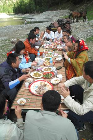 中国骑马及其他户外旅游常见饮食介绍