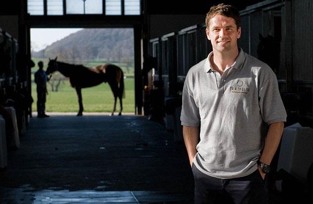 英国足球名将退役作骑师 明年或将参加赛马