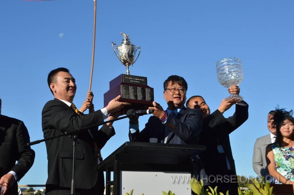 """莱德""""蒙古可汗""""夺冠颁奖仪式:新西兰德比大赛集锦二"""